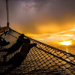 Singles sailing to Croatia